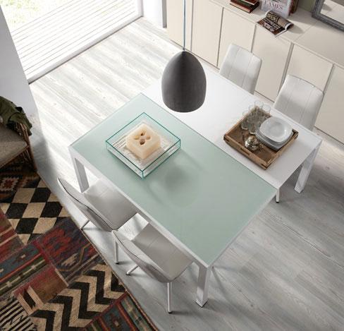 Mesa de vidrio blanco ácido Mitra de Kibuc. Extensible de rectangular a cuadrada