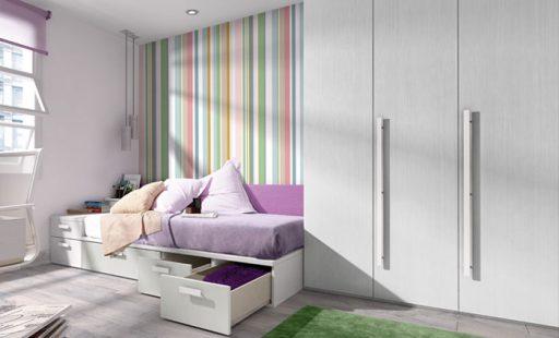 Los cajones bajo la cama son ideales para organizar. Dormitorio Home at home de Kibuc.