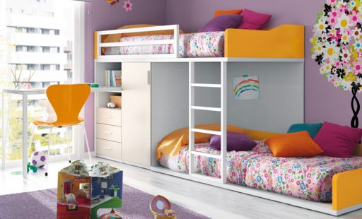 Organizar la habitación de los niños. Literas tipo tren con armario de la colección Niko