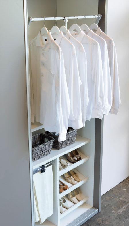Almacenaje en el dormitorio. Interior de armario de la colección BOX de Kibuc.