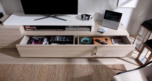 Ideas para organizar tu casa. El mueble Eko-s incorpora un cajón con compartimentos.