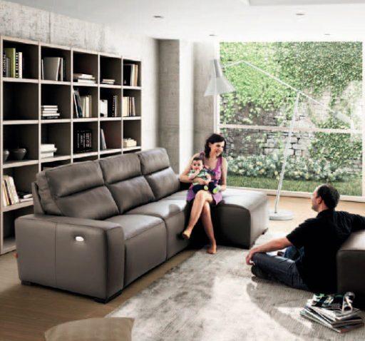 Ventajas de los sofás con chaise longe también en piel.
