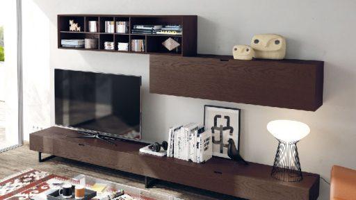 Almacenaje para el comedor. Mueble de la colección Sombra de Kibuc con módulo colgante para organizar material multimedia