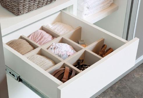 Armarios a medida BOX de Kibuc. Personalización de interiores. Cajón-casillero.