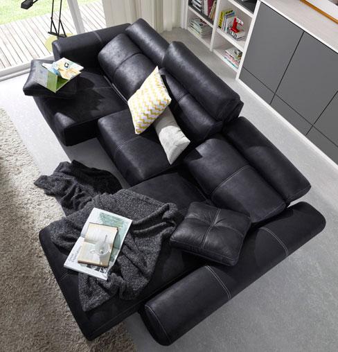 Decorar el sofá con cojines. Sofá Bold de Kibuc