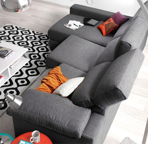 Los sofás más relajantes del verano by Kibuc. Sofá Asti con asientos de viscoelástica