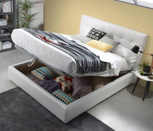Cómo organizar el cambio de armario. cama Wendy tapizada con arcón abatible para ordenar