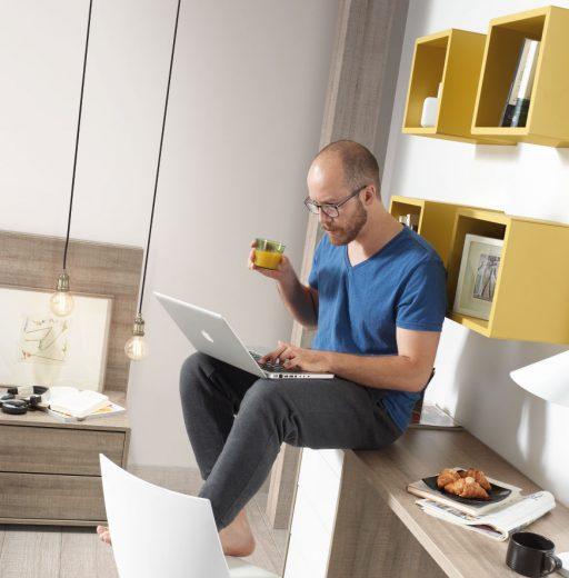 Consejos para decorar una zona de trabajo en casa. Zona de trabajo en un dormitorio Nuit.