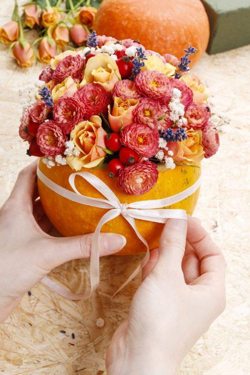Decoración de mesa con calabazas. Cómo convertir una calabaza en un florero