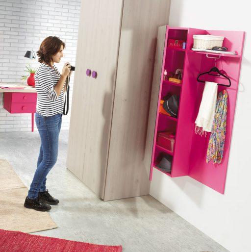 Cómo elegir colores para un dormitorio juvenil. Dormitorio  de la colección Chroma. Color bermellón