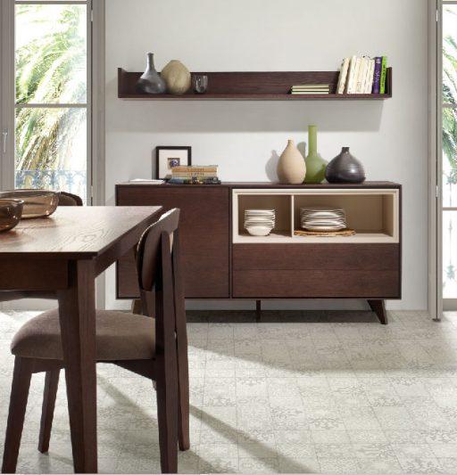 Sillas para largas sobremesas. Silla Craft con respaldo y asiento tapizado.