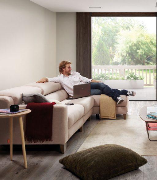 Mesa auxiliar Punt y sofá Fold